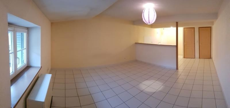 Location appartement Nantua 365€ CC - Photo 1