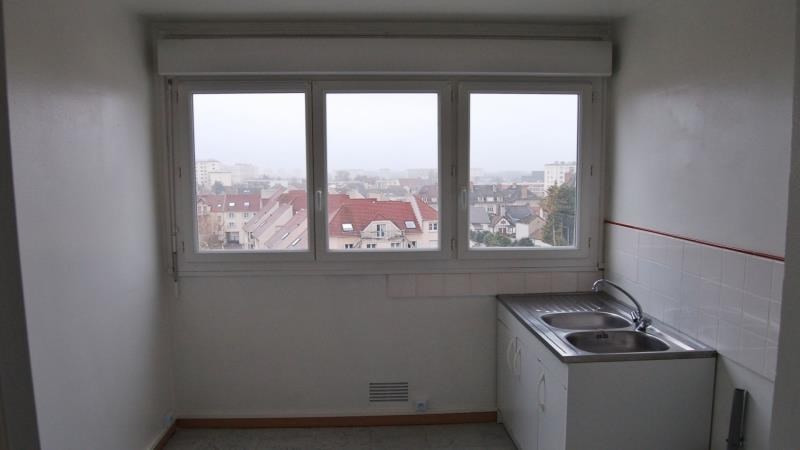Rental apartment Troyes 376€ CC - Picture 2