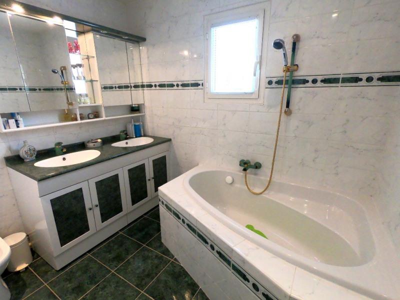 Rental house / villa Simiane collongue 2530€ CC - Picture 10