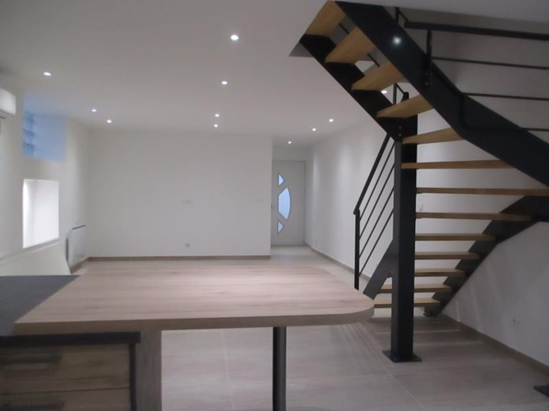 Location maison / villa Salon de provence 950€ CC - Photo 3