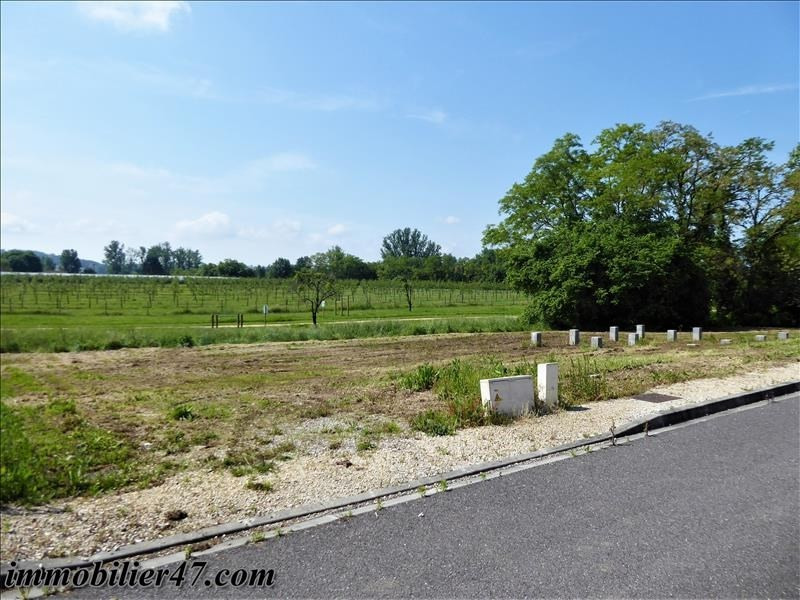 Sale site Castelmoron sur lot 22 500€ - Picture 1