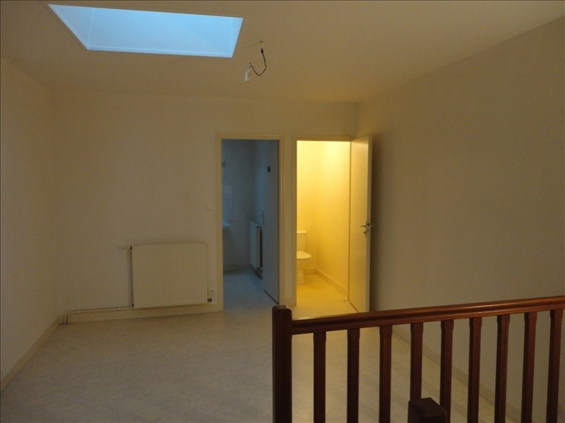 Location appartement Menigoute 405€ CC - Photo 4