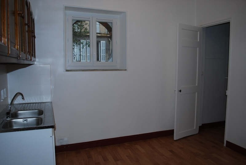 Rental apartment Marseille 6ème 490€ CC - Picture 4