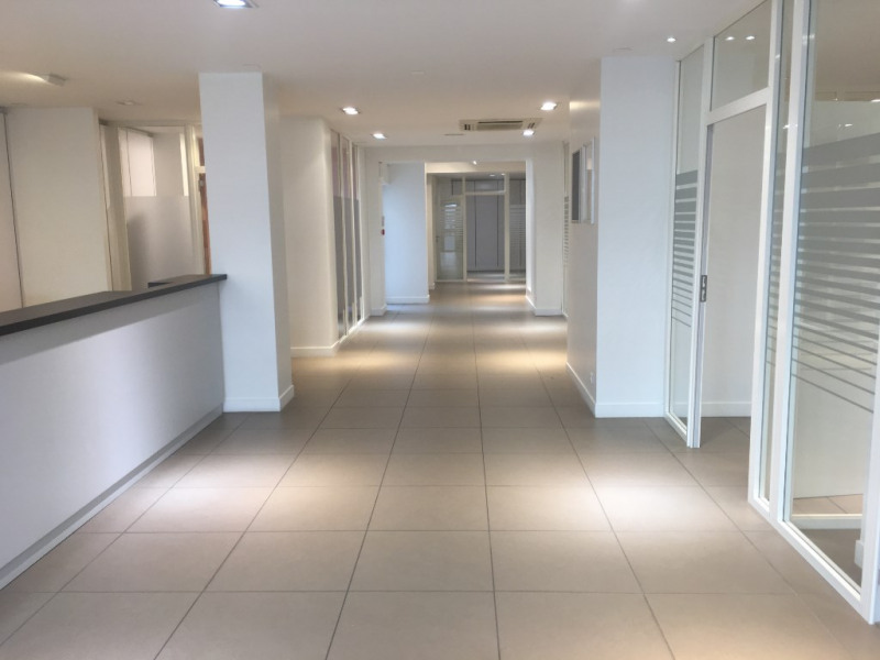Location local commercial Saint omer 3 333€ HC - Photo 2