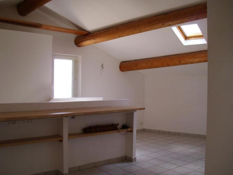 Rental apartment Entraigues sur la sorgue 410€ CC - Picture 2