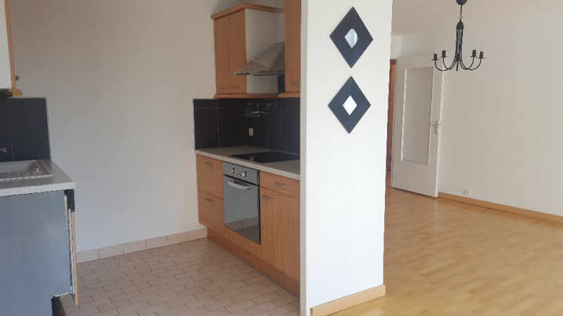 Sale apartment Beauvais 125 000€ - Picture 2