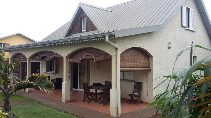 Sale house / villa Le guillaume 306000€ - Picture 1