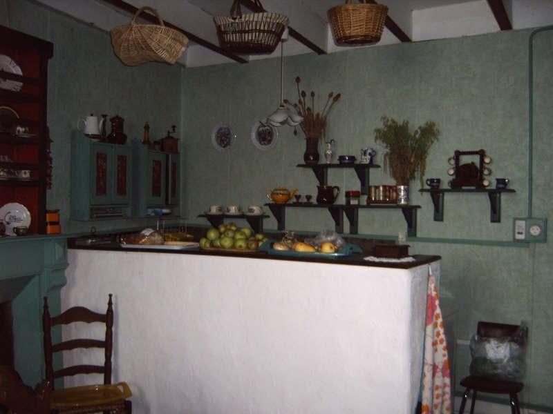 Sale house / villa Pont croix 53500€ - Picture 4