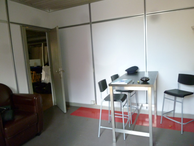 Location local commercial St genis laval 1 315€ HC - Photo 2