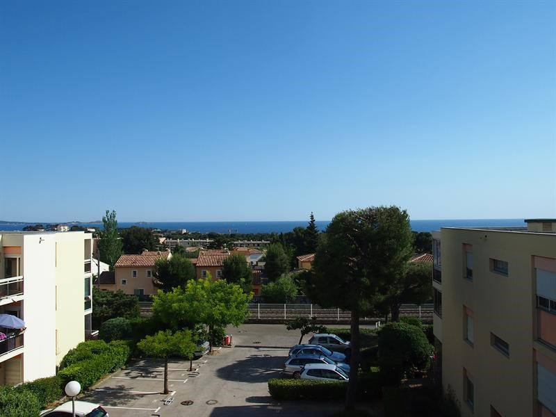 Vacation rental apartment Bandol 320€ - Picture 1