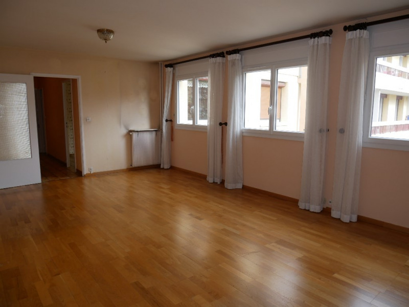 Sale apartment Poissy 290000€ - Picture 2