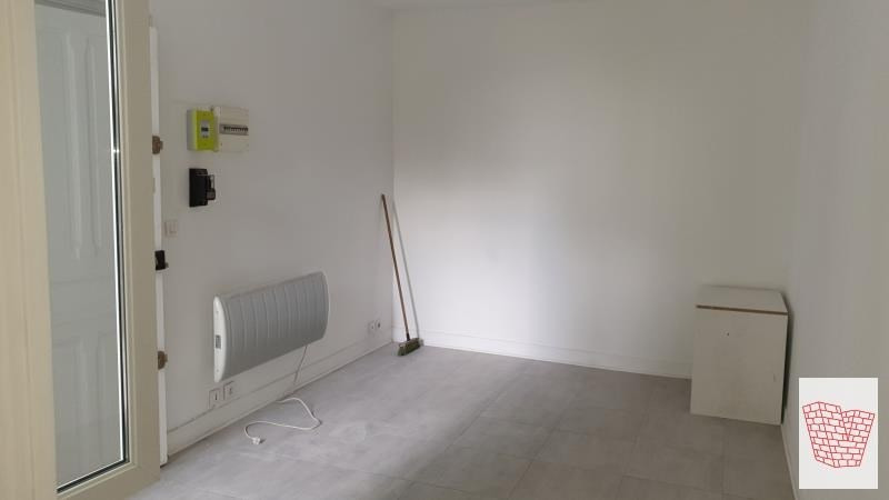Rental apartment Colombes 620€ CC - Picture 1