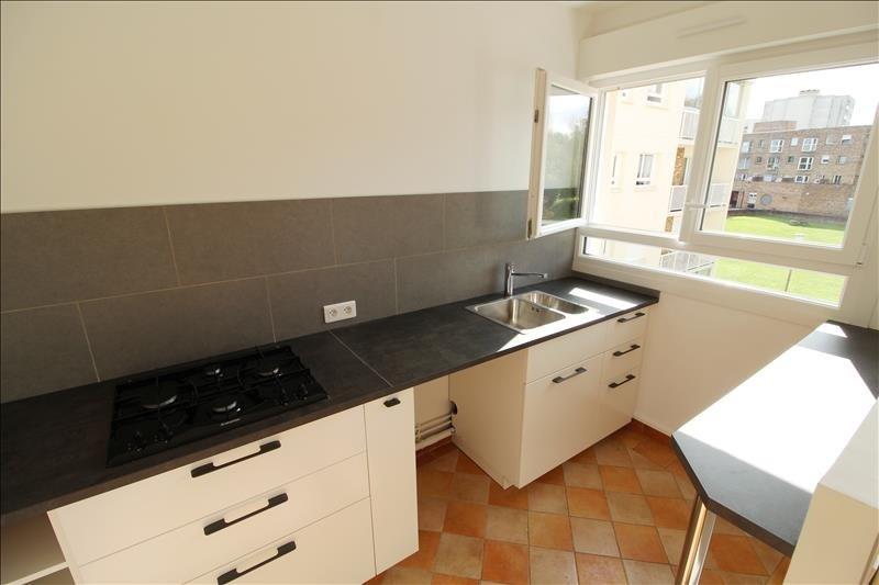 Rental apartment Elancourt 695€ CC - Picture 3