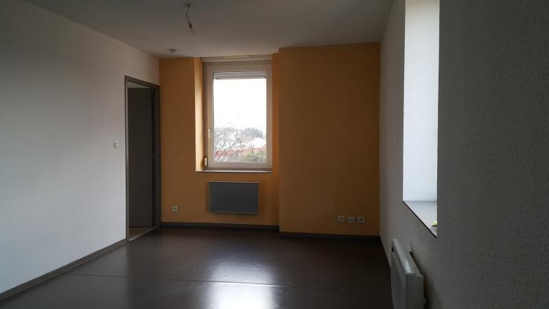 Rental apartment Pont d'ain 337€ CC - Picture 2