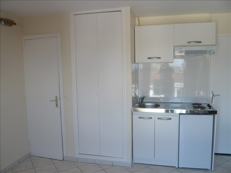 Location appartement Noisy le grand 720€ CC - Photo 1