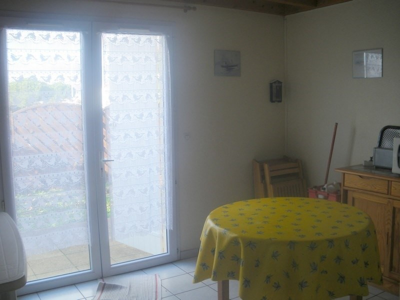 Vacation rental house / villa Vaux-sur-mer 350€ - Picture 3