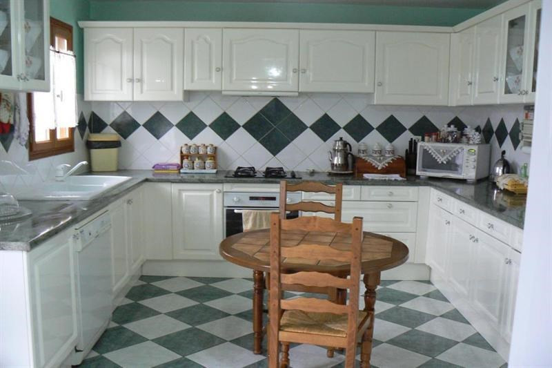 Sale house / villa Limetz villez 360000€ - Picture 2