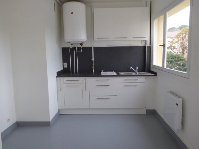 Rental apartment Maurepas 599€ CC - Picture 2