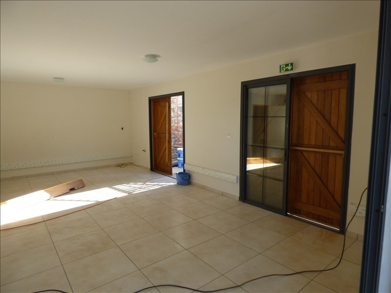 Location local commercial Ravine des cabris 950€ HT/HC - Photo 3