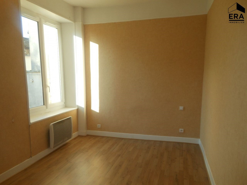 Location appartement Solers 470€ CC - Photo 3