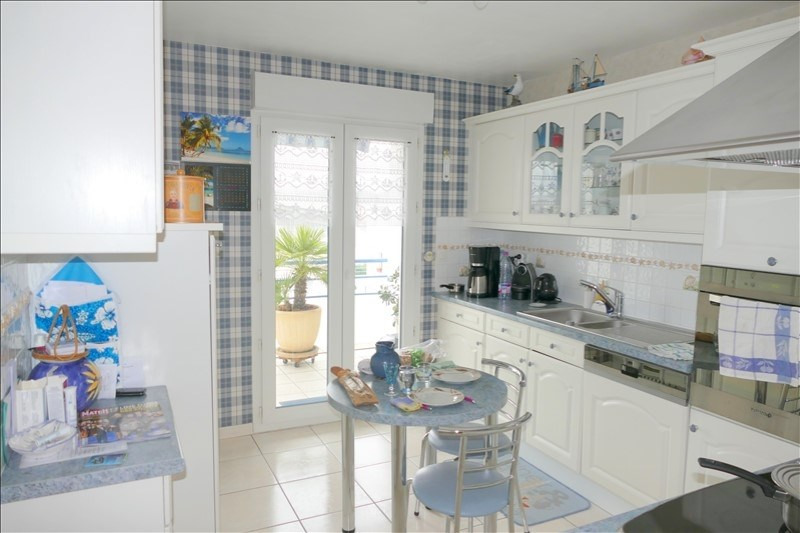 Deluxe sale apartment Royan 462 000€ - Picture 1