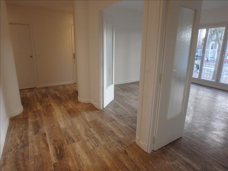 Rental apartment Versailles 2000€ CC - Picture 1