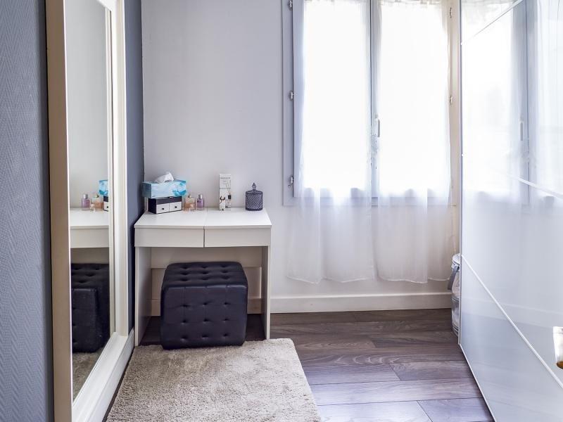 Sale apartment Plaisir 267800€ - Picture 6