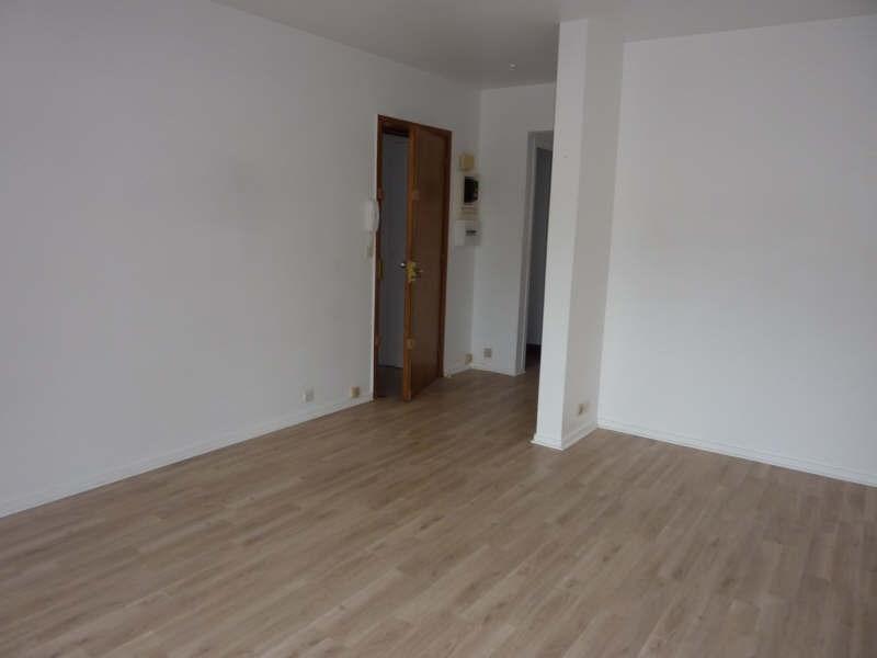 Location appartement Fontainebleau 835€ CC - Photo 2