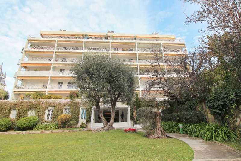 Deluxe sale apartment Nice 585000€ - Picture 1