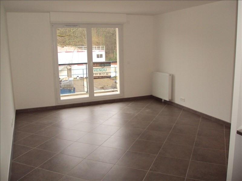 Location appartement Le perray en yvelines 750€ CC - Photo 2