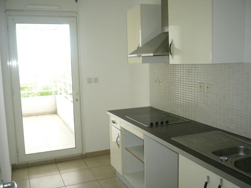 Rental apartment Bois de nefles st denis 841€ CC - Picture 6