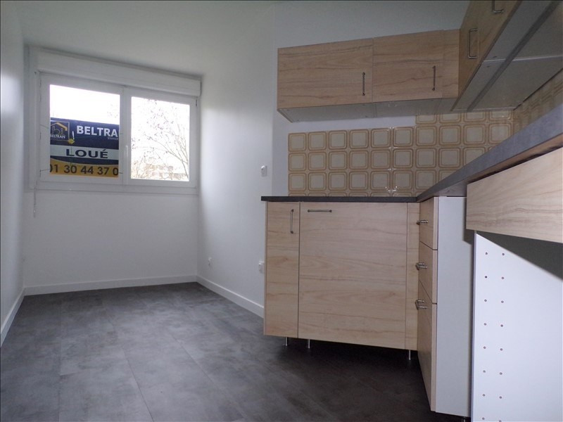 Rental apartment Montigny le bretonneux 990€ CC - Picture 3