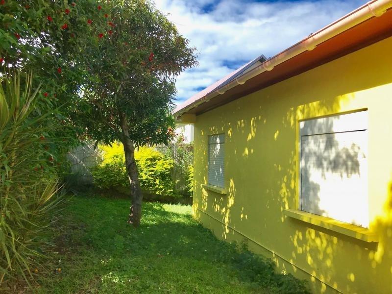 Location maison / villa Les avirons 1800€ CC - Photo 2