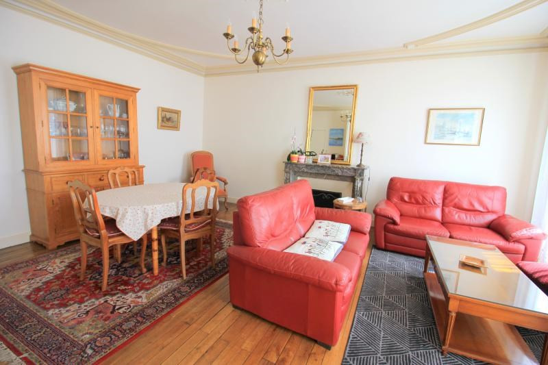 Sale house / villa La chartre sur le loir 232000€ - Picture 3