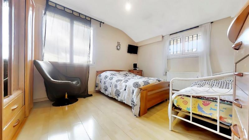 Vente maison / villa Meyzieu 354000€ - Photo 8