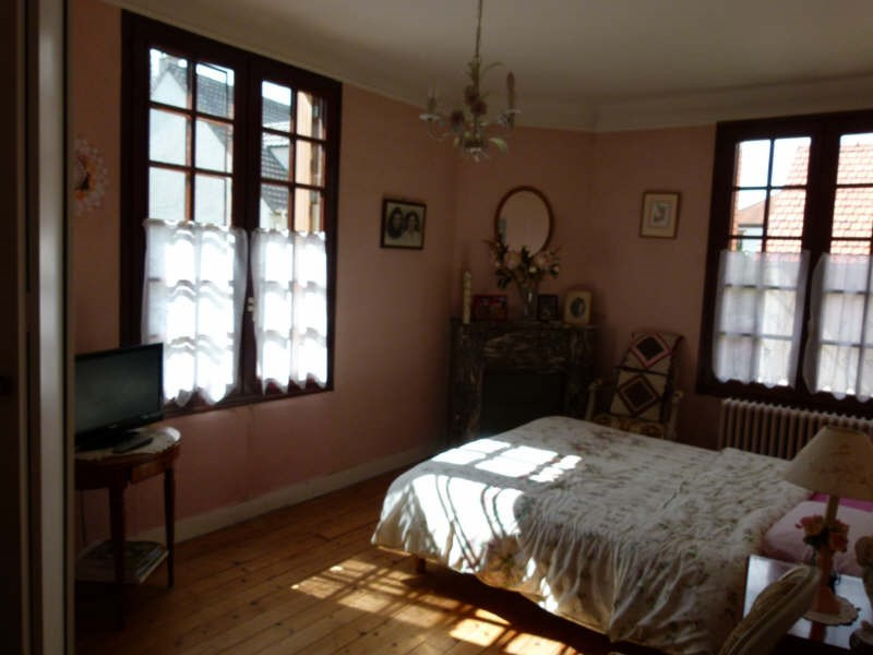 Sale house / villa Montfort-l'amaury 250 000€ - Picture 6