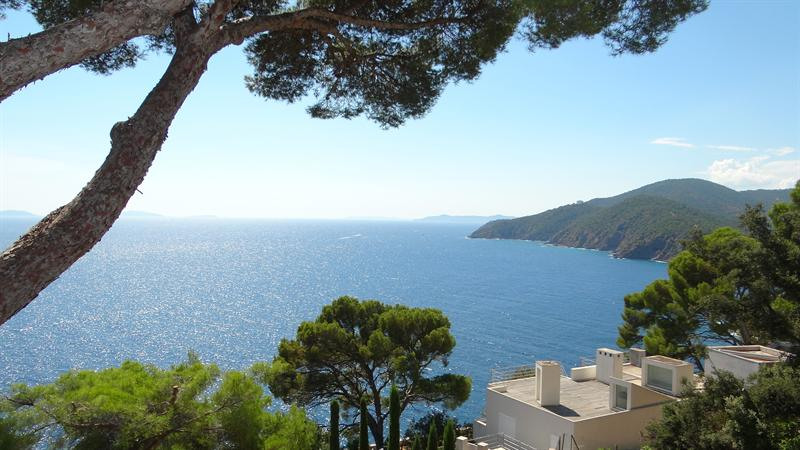 Vacation rental house / villa Cavalaire sur mer 1 500€ - Picture 2