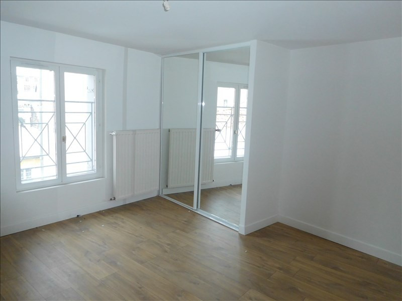 Rental apartment Le puy en velay 451,79€ CC - Picture 4
