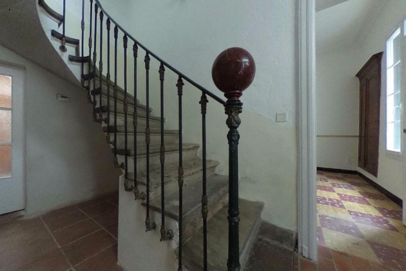 Location maison / villa Milhaud 689€ CC - Photo 9
