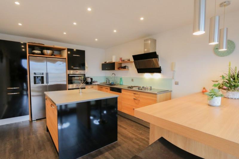 Deluxe sale house / villa Aix les bains 630000€ - Picture 1