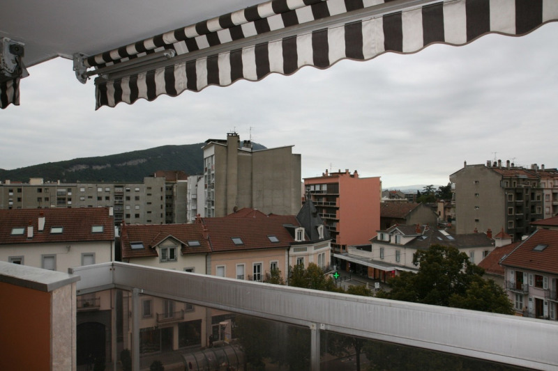 Sale apartment Annemasse 245000€ - Picture 2