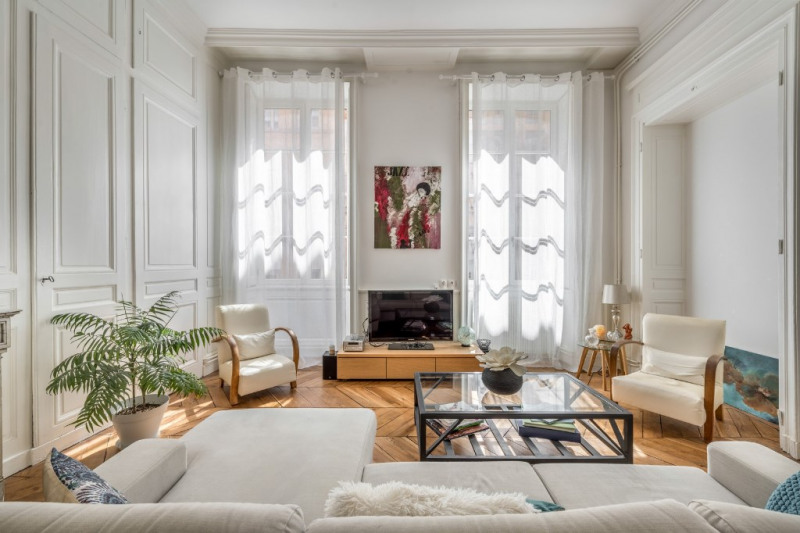 Old renovated with balcony in the heart of Old Lyon