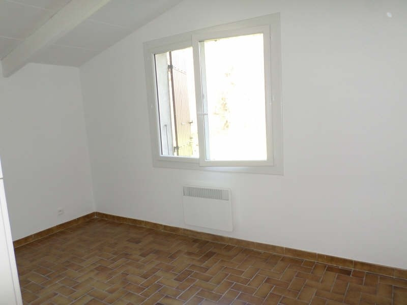 Rental apartment Salon de provence 480€ CC - Picture 4