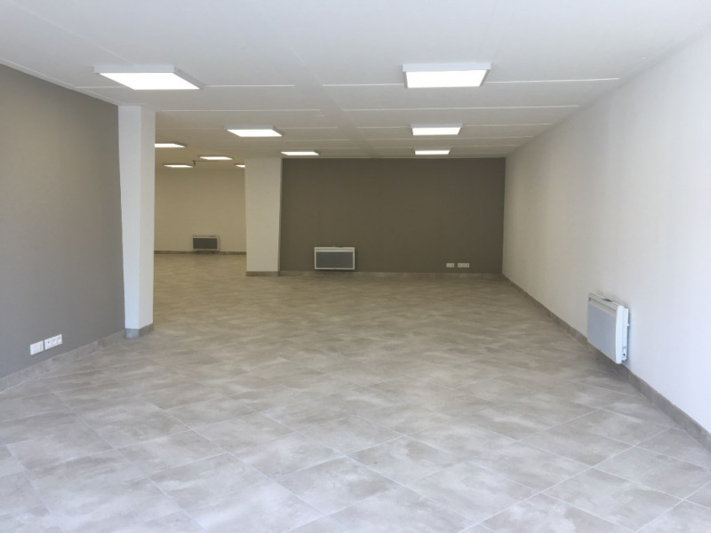Location local commercial Dax 1 320€ CC - Photo 2