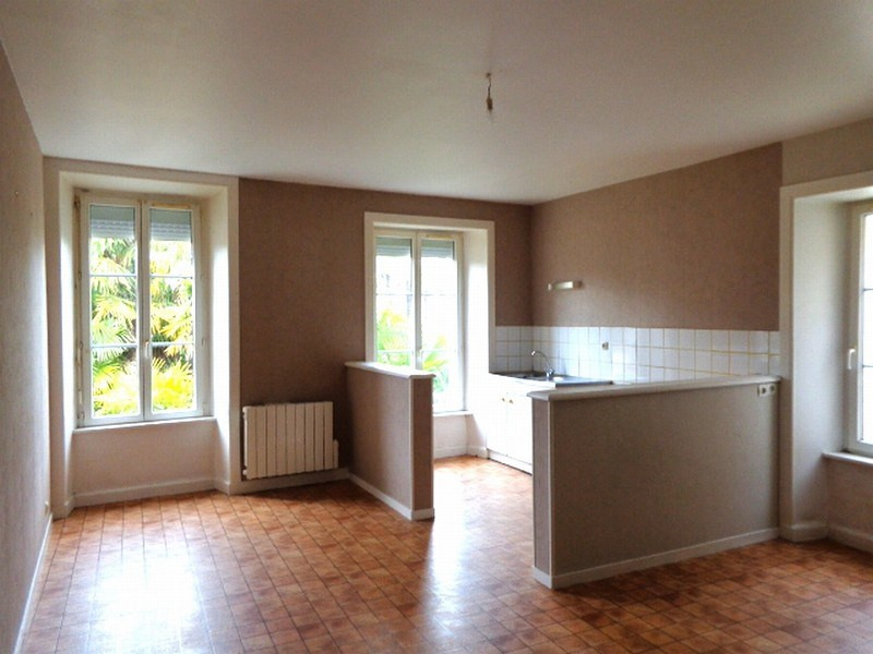 Location appartement Carentan 366€ CC - Photo 1