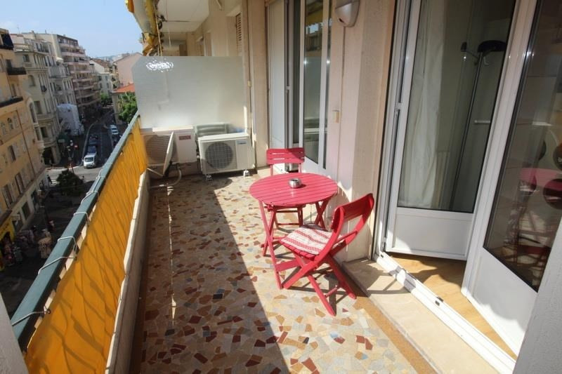 Sale apartment Nice 440 000€ - Picture 1