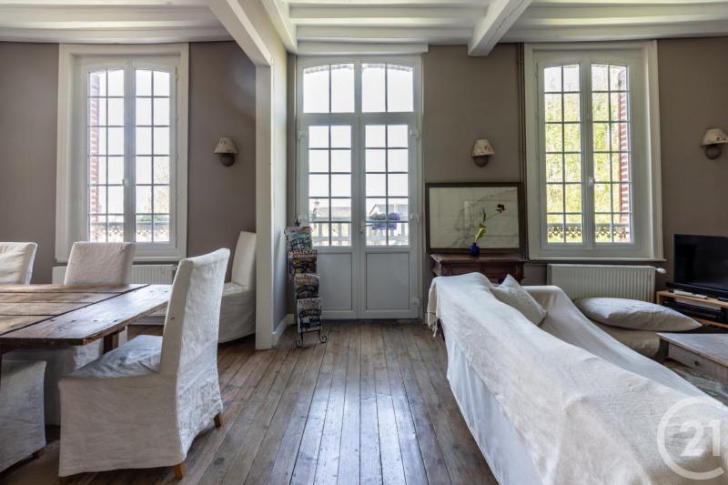Revenda residencial de prestígio casa Villerville 735000€ - Fotografia 10