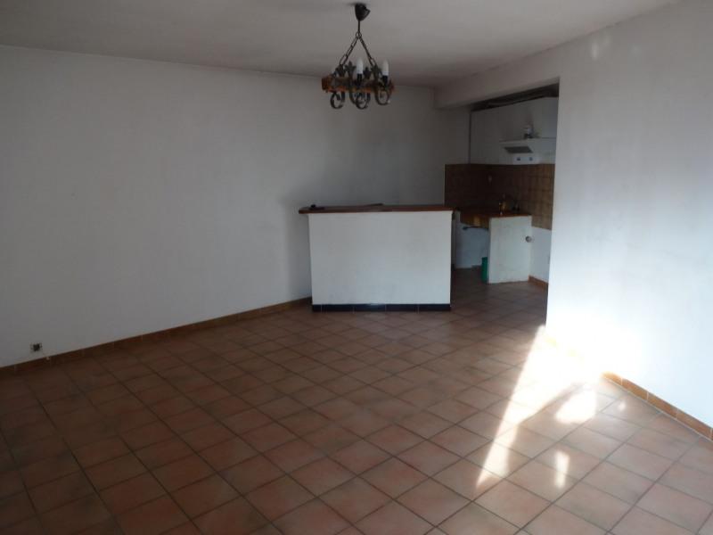 Rental apartment Entraigues sur la sorgue 504€ CC - Picture 3