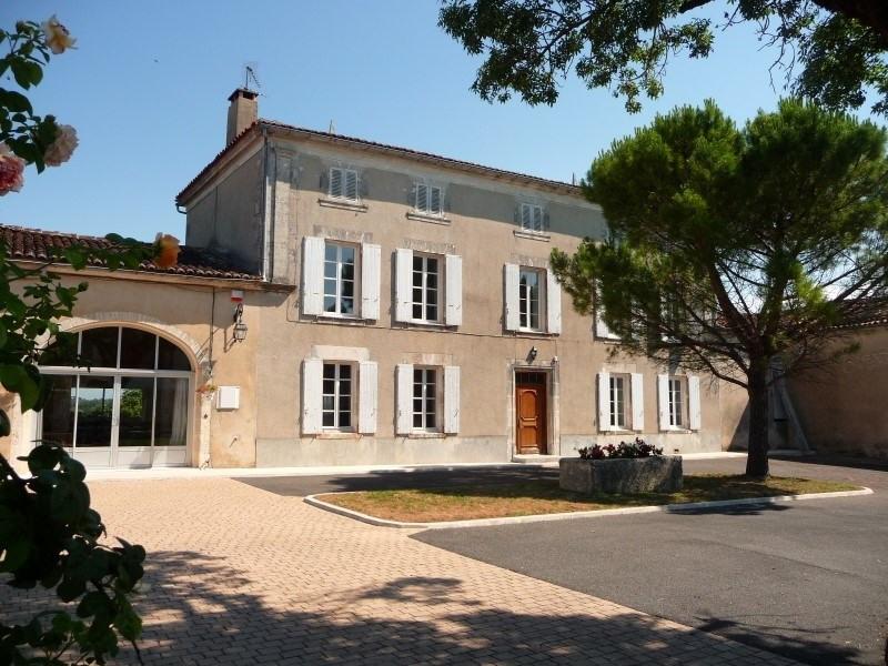 Sale house / villa Merpins 256800€ - Picture 1