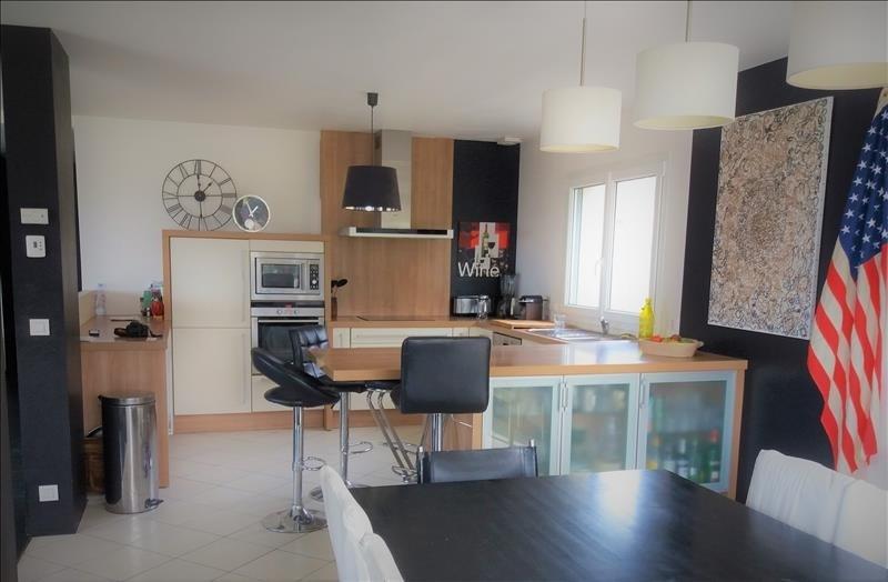 Deluxe sale house / villa Pugny chatenod 942000€ - Picture 2